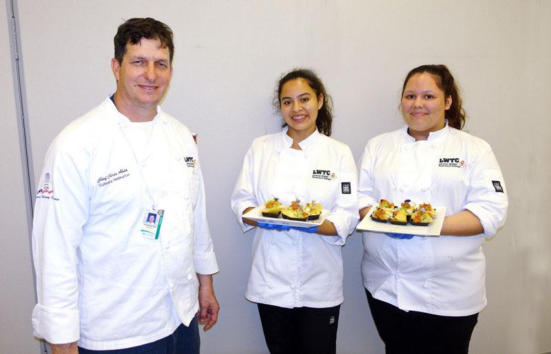 Lorenzo Walker Students Provide Feast for ACF Members